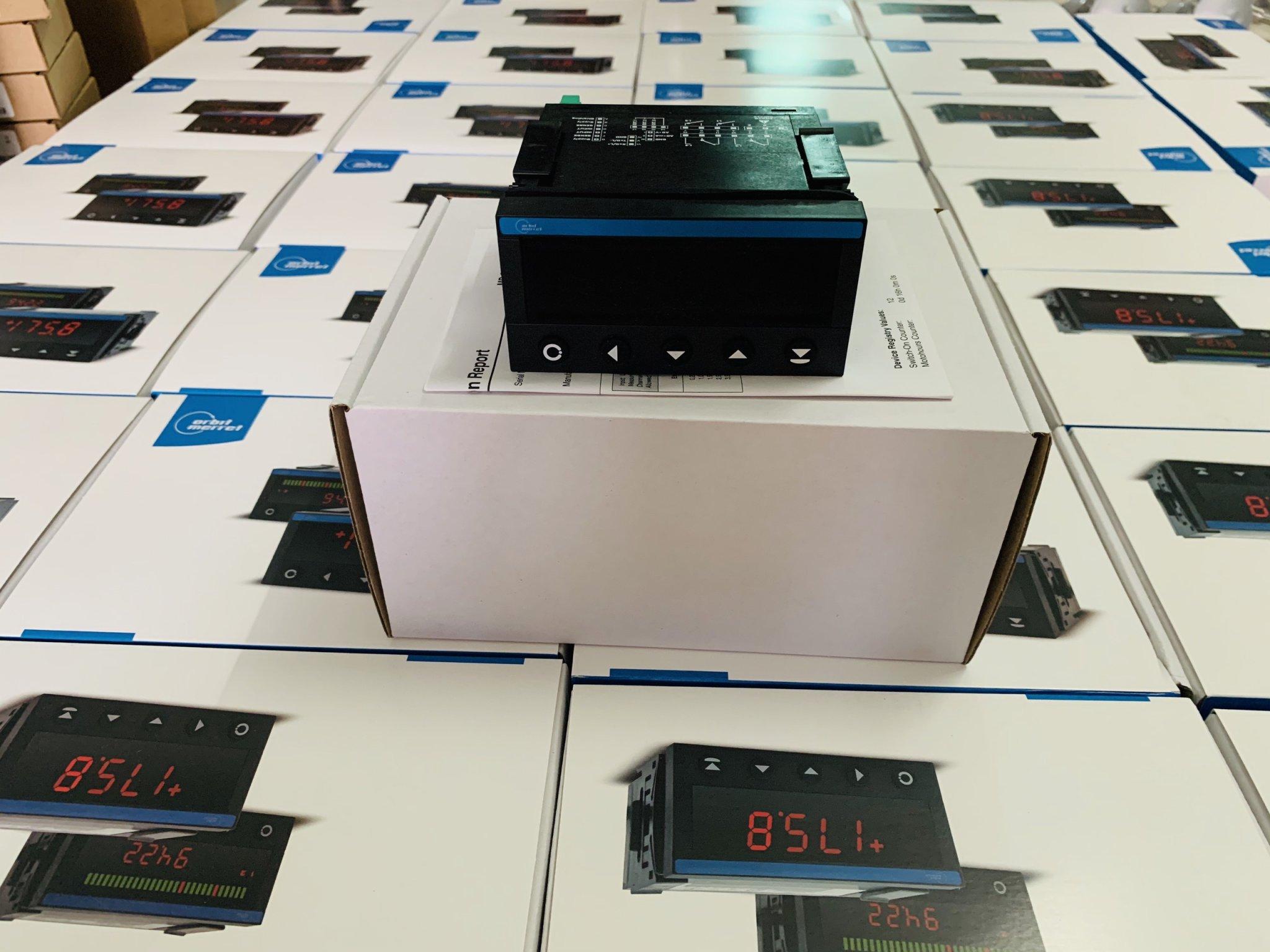 Bộ hiển thị và điều khiển đo mức OM352UNI